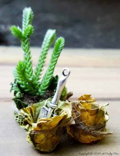How to Make Teeny, Tiny Fairy Leaf Bowls